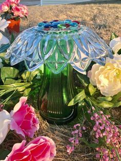 Enjoy this beautiful Glass Mushroom in your garden all year !! Add a touch of beauty to your garden with this Glass Garden Mushroom. This Glass Garden Mushroom is made with vintage pieces, beautiful ruffled flower bowl & green lined vase make this wonderful piece. Each piece is bonded with 100% High Quality Architectural Grade Silicone, rated for extreme heat & cold for glass. I use plenty ...