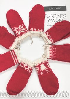 Julevotter Mitten Gloves, Mittens, Christmas Knitting, Hand Warmers, Holidays And Events, Christmas Stockings, Knitting Patterns, Knit Crochet, Diy And Crafts