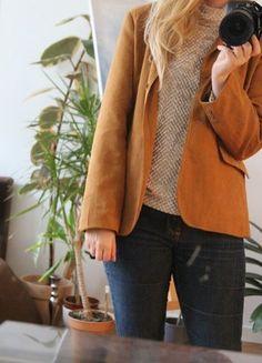 Kaufe meinen Artikel bei #Kleiderkreisel http://www.kleiderkreisel.de/damenmode/lederjacken/116676372-wildleder-jacke-velours-blazer-braun-karamell