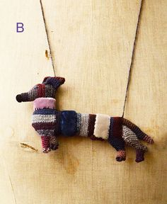 chien teckel wool necklace by Sophie Digard | petiteparis
