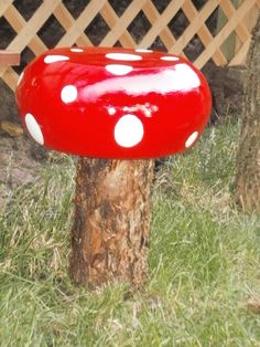 DIY Garden Decor: Whimsical Toadstools - Craftaholics Anonymous® - Create these garden ornaments by purchasing wooden bowls and painting them. Turn upside down and the perfect mushroom!