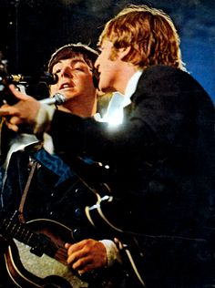The Beatles featuring Paul McCartney George Harrison John Lennon and Ringo Starr John Lennon Paul Mccartney, John Lennon Beatles, Beatles Band, The Beatles Live, Richard Starkey, The Ed Sullivan Show, Beatles Photos, Twist And Shout, British Invasion
