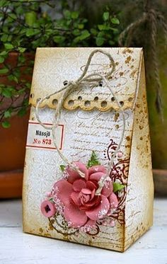 DIY Vintage Wedding Favors ♥ Handmade Vintage Gift Bag