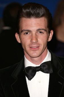 Drake Bell shockingly tells a Belieber, 'I hope you die soon' in an Instagram comment | TheCelebrityCafe.com