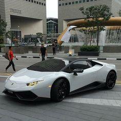 LP610-4 or LP580-2? #Lamborghini #Huracan