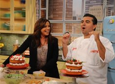 Rachael Ray Show - Food - Buddy Valastro's Chocolate Fudge Frosting Cupcake Frosting Recipes, Cupcake Icing, Cupcake Cakes, Cupcakes, Cookie Desserts, Dessert Recipes, Cream Patisserie, Cake Boss Buddy, Duff Goldman