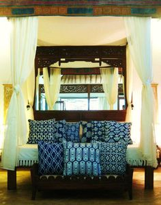 And a bedroom from Bali. Indigo textiles and an Asian inspired bed, transport this bedroom to Bali. Post Holiday Blues, Deco Paris, Bali House, Interior And Exterior, Interior Design, Bohemian Interior, Dream Bedroom, Bali Bedroom, My Living Room