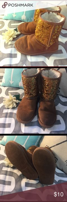 Size 2 girls fluff boots! Soft inside!  Used but in good condition. Shoes Boots