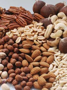 Nuts, I like nuts, I like peanuts, almonds, cashews. Comidas Light, Comidas Fitness, Incredible Edibles, Fresh Fruits And Vegetables, Dried Fruit, Kakao, Food Photography, Spices, Food And Drink