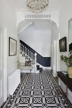 Elegant Homes Decor Ideas: A Magnificent and Modern London Townhouse Victorian Hallway, Victorian Townhouse, London Townhouse, 1930s Hallway, White Hallway, Tiled Hallway, Dado Rail Hallway, Dark Blue Hallway, Modern Staircase