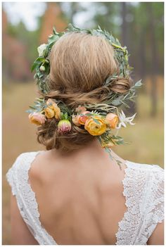 Modern Looks for Floral Hairpieces — Chapel Designers
