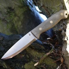 LT Wright make some fantastic quality knives and the GNS Scandi is probably my favourite