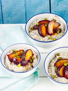 Buckwheat groats with plums Healthy Breakfast Muffins, Breakfast Dessert, Breakfast Ideas, Lassi Recipes, Smoothie Recipes, Healthy Foods To Eat, Healthy Eating, Healthy Recipes, Healthy Life