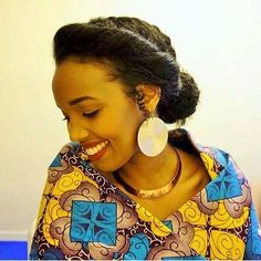 45 Easy and Showy Protective Hairstyles for Natural Hair (simple bun protective styles) Twa Hairstyles, Ethnic Hairstyles, Braided Hairstyles, Spring Hairstyles, Formal Hairstyles, Black Hairstyles, Braided Updo, Wedding Hairstyles, Curly Hair Styles