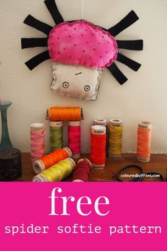 Here's 30+ fun sewing projects to hand sew for Halloween! Halloween Crafts For Kids To Make, Halloween Sewing Projects, Sewing Projects For Beginners, Easy Halloween, Plushie Patterns, Softie Pattern, Animal Sewing Patterns, Stuffed Animal Patterns, Softies