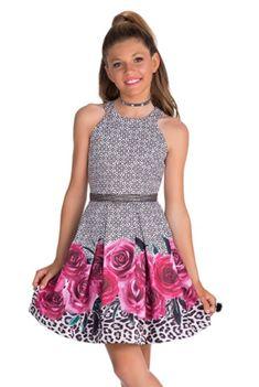 Dress For Girl Child, Dresses Kids Girl, Little Girl Outfits, Kids Outfits, Cute Outfits, Preteen Girls Fashion, Girls Fashion Clothes, Toddler Fashion, Kids Fashion