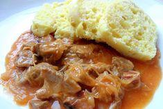 Vynikající a hlavně velmi oblíbený oběd. Segedínský guláš a kynutý knedlík.
