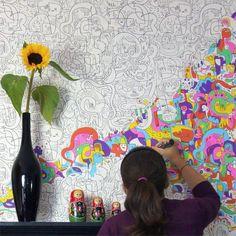 ¿Para que comprar papel tapiz si puedes pasarte horas pintando la pared? bueno se ve bien chido y sería a tu gusto ;)