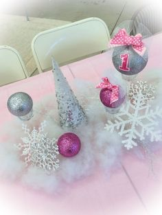 99 Popular Winter Wonderland Party Decoration Ideas - – Well, one of the most popular holidays in the world is almost here again — Christmas is right around the corner. Soon you'll see winter wonderland ba… First Birthday Winter, Winter Birthday Parties, Baby Girl 1st Birthday, Winter Onederland Party Girl 1st Birthdays, Winter Wonderland Birthday, Winter Party Decorations, 1st Birthday Decorations, Birthday Ideas, Birthday Party Centerpieces