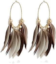 I would build an outfit around these! So luxe Feather Earrings, Hoop Earrings, Latest Clothing Trends, Different Colors, Shoe Bag, Beads, Chic, My Style, Brown