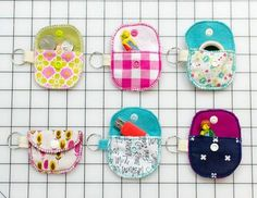 Sewing For Beginners Mini Pouches - easy sews that are perfect gifts or stocking fillers - I'm so tickled! After showing you my cute Bit O' Kindness pouches on Saturday, I don't think any other sewing tutorial has ever been more requested!