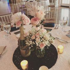 #centerpieces #dvflora #easternshoreweddings #easternshorewedding #wedding #weddingflowers #pinkflowers #peonies #roses #babiesbreath @theoakswaterfrontweddings by seasonal_flowers_trappe