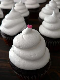 cloud icing, seven minute icing, fluffy marshmallow icing, egg white icing