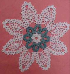 Maggie's Crochet · Pineapple Blossoms Doily Free Pattern.  Could do center in red and yellow for a Chistmas look.