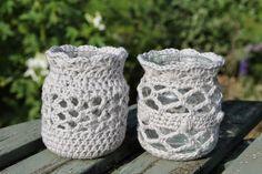 Beginner Crochet Projects, Crochet For Beginners, Crochet Jar Covers, Bottle Holders, Crochet Gifts, Baby Shoes, Crochet Patterns, Knitting, Hooks