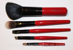 i sooo need new brushes...lol