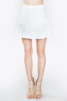 RUFFLED AND LACE MINI SKIRT