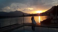 Beautiful sunset over Austrian lake with wedding couple - wedding planner Austria Wedding Couples, Wedding Day, Wedding Planner, Destination Wedding, Family Affair, Sunset Photos, Just Married, Beautiful Sunset, Alps