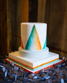 Photo: Cory Ryan Photography // Geometric Wedding Ideas // The Knot Market Mixer in Austin, TX Geometric Cake, Geometric Wedding, Geometric Patterns, Patterned Cake, Wedding Cake Inspiration, Wedding Ideas, Wedding Trends, Wedding Stuff, Crazy Cakes
