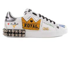 Dolce Gabbana Sneakers, Fashion Shoes, Studs, Jordans, Footwear, Flats, Nike, New Sneakers, Shoes