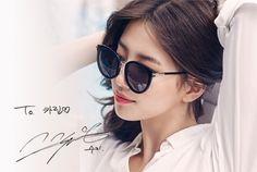 스칸디나비안스타일카린선글라스 Some Funny Jokes, Bae Suzy, Summer Collection, Round Sunglasses, Hair Beauty, Feminine, Womens Fashion, Style, Korean