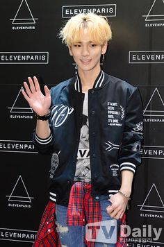 150401 Key - Eleven Paris Grand Opening Full:http://image.tvdaily.co.kr/upimages/gisaimg/201504/1427886289_879201.jpg