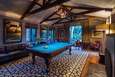 Billard room.