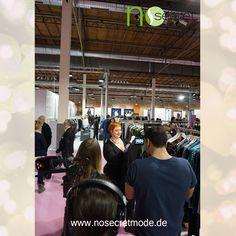 No Secret Mode Styling Expertin Christin Thomsen zusammen mit RTL auf der curvy is sexy Messe 2015— mit Plus Size Model Christin und NoSecret Mode hier: Insel Eiswerder.
