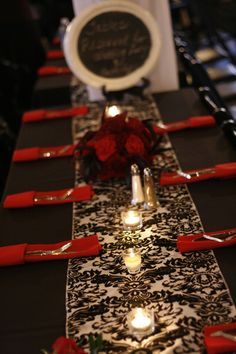 Black and red is so romantic for a southern wedding. See More Great American Weddings >> http://www.greatamericancountry.com/living/food/jarred-smores?soc=pinterest