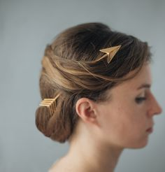 """culturenlifestyle: """" Elegant Printed Metallic Jewelry by Kasia Wisniewski Brooklyn-based jewellery shop Collected Edition was founded by designer Kasia Wisniewski, an artist inspired by the delicate beauty of nature and geometric designs. Hair Jewelry, Metal Jewelry, Jewellery, Boho Jewelry, Artemis, Moda Formal, Gold Hair Accessories, Broken Arrow, 3d Printed Jewelry"""