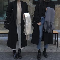 Korean Fashion – How to Dress up Korean Style – Designer Fashion Tips Mode Outfits, Casual Outfits, Fashion Outfits, Womens Fashion, Fall Winter Outfits, Autumn Winter Fashion, Estilo Grunge, Style Minimaliste, Winter Mode