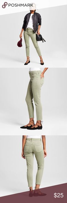 NEW Olive Green High Rise Crop Jeggings Jeans [B1] Freshen-up your style with the crisp Women's Curvy Jegging Crop by Mossimo in Olive. These Olive jeans are a warm weather staple and pair perfectly with all your summery tanks and tees. Splatter paint details. Stretch denim. Raw, unfinished hem.  size 18/34R waist 40 inseam 26  condition: new without tags color: olive green  @cjrose25  *stock photos have color washed out. Color is darker in person. Mossimo Supply Co. Jeans Skinny