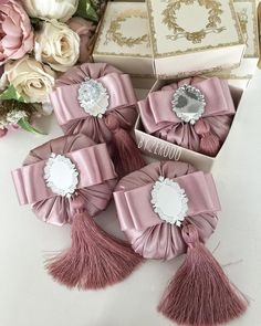 1 million+ Stunning Free Images to Use Anywhere Pink Christmas, Christmas Deco, Christmas Tree Ornaments, Christmas Crafts, Shabby Flowers, Lace Flowers, Wedding Gift Baskets, Fabric Covered Boxes, Free To Use Images