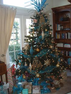 Turquoise and gold Christmas tree - very Jasmine from Disney's Aladdin!