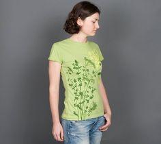 Herbarium Women's t-shirt size Large - 22 USD - W�o�m�e�n� s� �r�e�g�u�l�a�r� �f�i�t� �c�a�p� �s�l�e�e�v�e� �b�a�s�i�c� �c�r�e�w� �t�e�e�.� �T�h�i�s� �t�e�e� �h�a�s� �a� �c�l�a�s�s�i�c� �c�u�t� �a�n�d� �f�i�t� �t�o� �d�r�e�s�s� �u�p�,� �d�o�w�n�,� �o�r� �h�o�w�e�v�e�r� �y�o�u� �w�a�n�t�!�