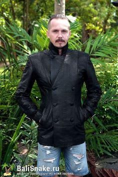 Мужская #куртка из кожи питона от BaliSnake.ru. Стоимость: 26'000 рублей.  📲 По всем вопросам заказа и доставки пишите в WhatsApp/ Viber/ SmS +79036678272 Виктория. 🎀Доставка напрямую с острова Бали по всему миру, в любые города и страны в течение 7-10 дней, курьером до двери✈📦🏩 #мода #модно #куртки #ручнаяработа #сумкиоптом #москва #handmade #сумки #питон #сумкаизпитона #сумкапитон #лето #balisnake #python #стильно #сумка #кожа #скидки #распродажа #москва #питер #стиль #одежда #казань…