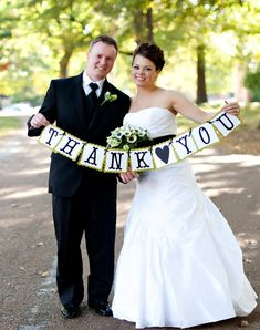 Thank You Signs for your Wedding. Picture would make a great thank you card.