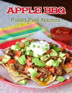 Apple Barbeque Pulled Pork Nachos - Rock Recipes -The Best Food & Photos… Barbeque Pulled Pork, Pulled Pork Nachos, Pork Tacos, Rock Recipes, Mexican Food Recipes, Nacho Recipes, Ham Recipes, Recipies, Tamales