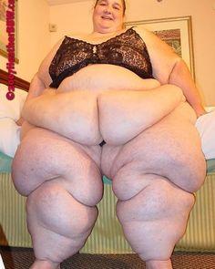 #ssbbw #thick #curvy #bbw #honormycurves #effyourbeautystandards #plussize #booty #chubby #pawg #gordita #sexy #belly #bellyhang #fatrolls #bellyrolls #chubbyarms #hourglass #pearshaped #bigbutt #obese #fat #fatass #fupa #belleza #curvygirl #woman #curvywoman #bonita #pretty