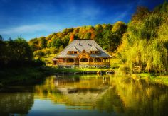 House by the pond by Dominique Toussaint Amazing Photography, Landscape Photography, Great Shots, Countries Of The World, Log Homes, Luxury Travel, Vacation Spots, Pond, Beautiful Homes